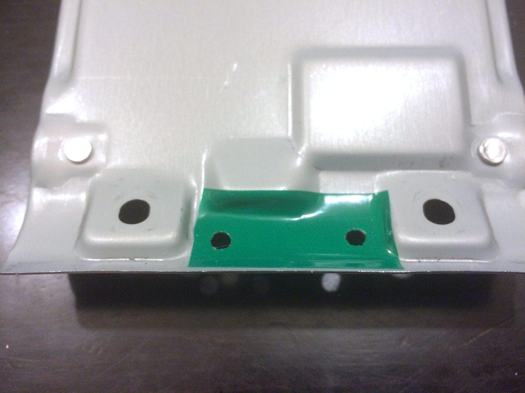 灰皿のパーツと絶縁テープ